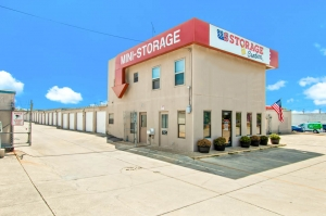 US Storage Centers - San Antonio - Perrin-Beitel