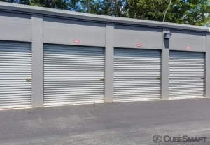 CubeSmart Self Storage - Spartanburg - 899 E Main St - Photo 7
