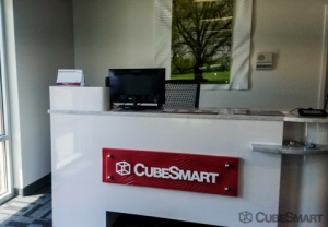 CubeSmart Self Storage - Spartanburg - 899 E Main St - Photo 9