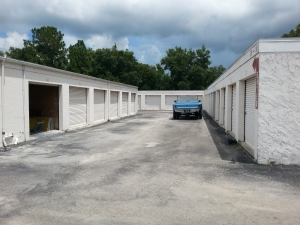 Colonial Self Storage - Colonial Plaza - Photo 3