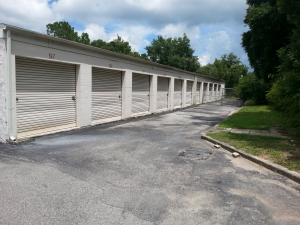 Colonial Self Storage - Colonial Plaza - Photo 5