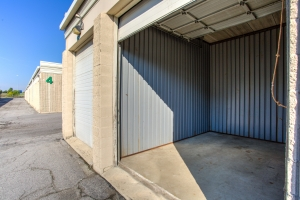 iStorage Roseville Cornillie Drive - Photo 3