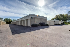 iStorage Woodbury Facility at  881 Weir Drive, Woodbury, MN