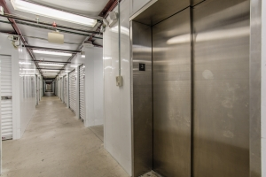iStorage Ferndale - Photo 7