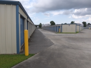Image of Storage King USA - 032 - Gulfport, MS - Dedeaux Rd Facility on 14145 Dedeaux Road  in Gulfport, MS - View 3