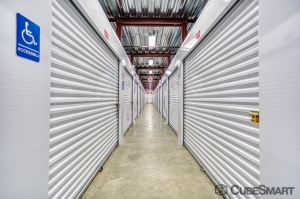 CubeSmart Self Storage - Louisville - 3415 Bardstown Rd - Photo 2