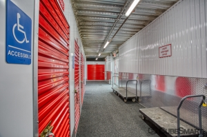 CubeSmart Self Storage - Bronx - 2880 Exterior St - Photo 7