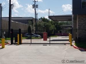 CubeSmart Self Storage - Houston - 4211 Bellaire Blvd - Photo 5