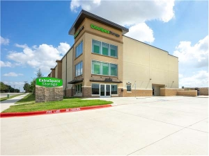 Extra Space Storage - Irving - Esters Blvd