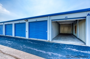 CubeSmart Self Storage - Lynwood - 19600 Stoney Island Ave - Photo 4