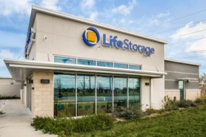 Life Storage - Round Rock - 981 North Red Bud Lane - Photo 1