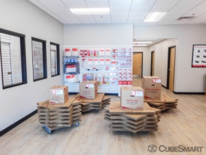 CubeSmart Self Storage - Lenexa - 11925 Santa Fe Trail Dr - Photo 4