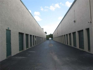 Extra Space Storage - Fort Lauderdale - Commercial Blvd - Photo 2