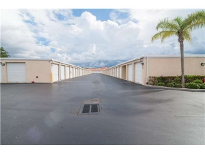 Extra Space Storage - Naples - Goodlette Road - Photo 2