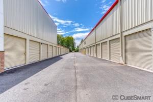 CubeSmart Self Storage - Rocky Hill - 1053 Cromwell Ave - Photo 2