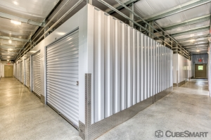 CubeSmart Self Storage - Rocky Hill - 1053 Cromwell Ave - Photo 5