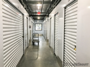 CubeSmart Self Storage - Bloomfield - 101 Old Windsor Rd - Photo 2