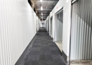 CubeSmart Self Storage - Ashburn - 45000 Russell Branch Pkwy - Photo 2
