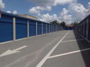Life Storage - Orlando - 4650 South Semoran Boulevard - Photo 3