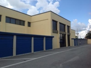 Life Storage - Orlando - 4650 South Semoran Boulevard - Photo 4