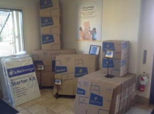Life Storage - Phoenix - 3641 West Camelback Road - Photo 2