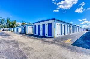Storage Sense - Hallandale Beach - Photo 2
