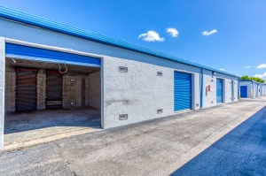 Storage Sense - Hallandale Beach - Photo 9