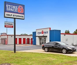 Store Space Self Storage - #1017 Facility at  313 Ford Drive, Columbus, GA