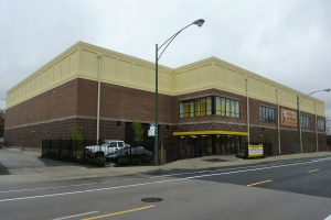 Safeguard Self Storage - Chicago - Edison Park Facility at  6244 North Northwest Highway, Chicago, IL