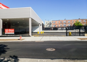 CubeSmart Self Storage - Astoria - Photo 2