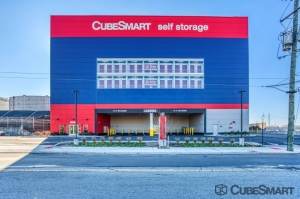 CubeSmart Self Storage - Bayonne Facility at  186 East 22nd Street, Bayonne, NJ