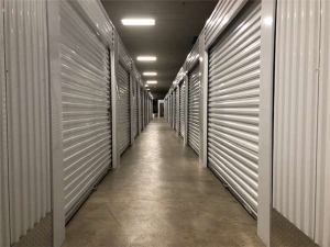 Extra Space Storage - Zion - Sheridan Rd - Photo 3