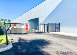CubeSmart Self Storage - Miami - 19301 W Dixie Hwy - Photo 2