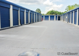 CubeSmart Self Storage - Fort Myers - 19580 S Tamiami Tr - Photo 4