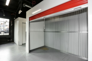 Verona Storage - Photo 10