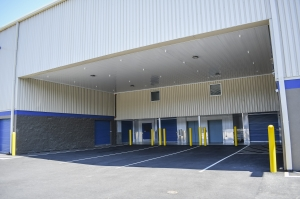 Image of West Coast Self-Storage 17th & McLoughlin Facility on 4970 Southeast 16th Avenue  in Portland, OR - View 4