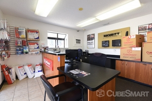 CubeSmart Self Storage - Orlando - 7200 Old Cheney Hwy - Photo 8