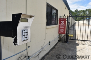 CubeSmart Self Storage - Norcross - 5985 S Norcross Tucker Rd - Photo 3