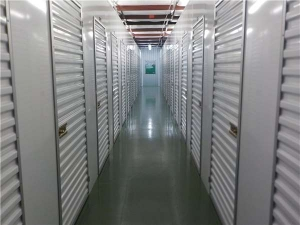 Image of Extra Space Storage - Lakeland - Harden Blvd Facility on 2190 Harden Boulevard  in Lakeland, FL - View 3