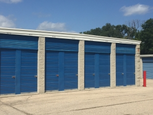 Apple Self Storage - Wauconda - Photo 10