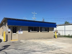 Life Storage - Lafayette - 2310 West Pinhook Road - Photo 1