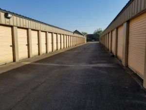 Image of Life Storage - Lafayette - West Congress Street Facility on 4706 W Congress St  in Lafayette, LA - View 3
