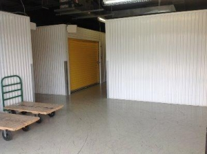Image of Life Storage - Lafayette - West Congress Street Facility on 4706 W Congress St  in Lafayette, LA - View 4