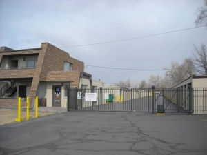 StorQuest - Arvada / 8845 N Frontage - Photo 1
