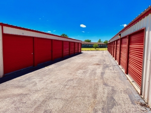 Expressway Storage - Photo 3