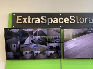 Extra Space Storage - Ridgewood - Cypress Ave - Photo 5