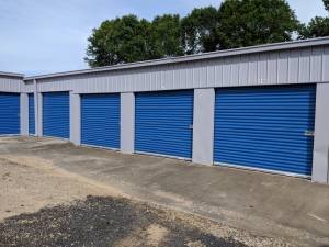 Byrd's Mini Storage - Airport Dr - Photo 2