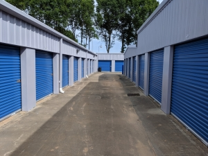 Byrd's Mini Storage - Airport Dr - Photo 3