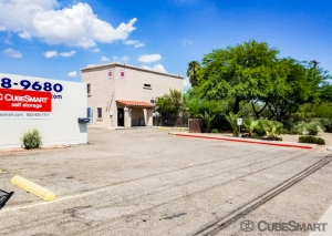 CubeSmart Self Storage - Tucson - N Flowing Wells Rd. - Photo 2