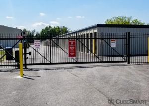 CubeSmart Self Storage - Louisville - 4530 Poplar Level Rd. - Photo 4